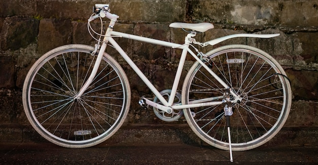 Volledige witte vintage fiets