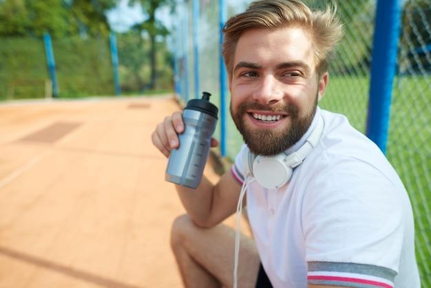 Voltooi de vloeistoffen is gezond