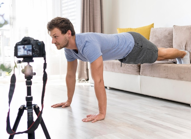 Volwassen mannelijke opname fitnesstraining