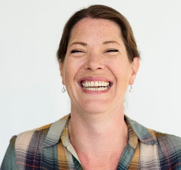 Volwassen vrouw lachend portretconcept