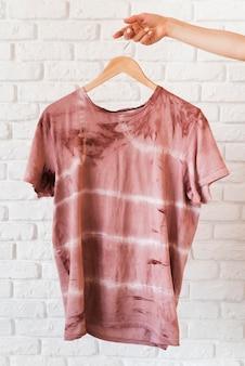Vooraanzicht abstract natuurlijk gepigmenteerd t-shirt