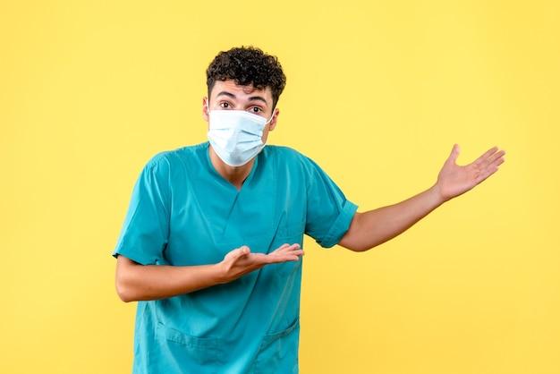 Vooraanzicht dokter de dokter bespreekt met collega's wat er gaat gebeuren na covid-pandemie