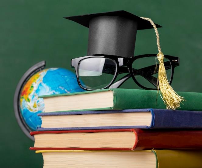 Vooraanzicht educatieve objecten assortiment close-up