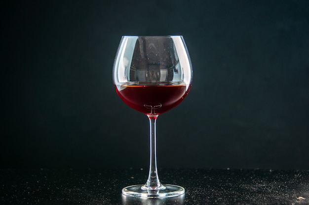 Vooraanzicht glas wijn op donkere drank foto kleur champagne kerstmis alcohol