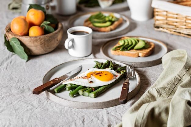Vooraanzicht heerlijk ontbijt maaltijd arrangement