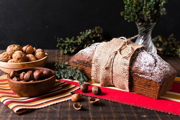 Vooraanzicht heerlijke cake gemaakt voor kerstmis