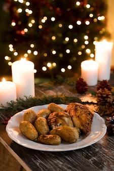 Vooraanzicht heerlijke kerst eten arrangement
