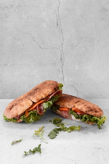 Vooraanzicht heerlijke sandwiches samenstelling