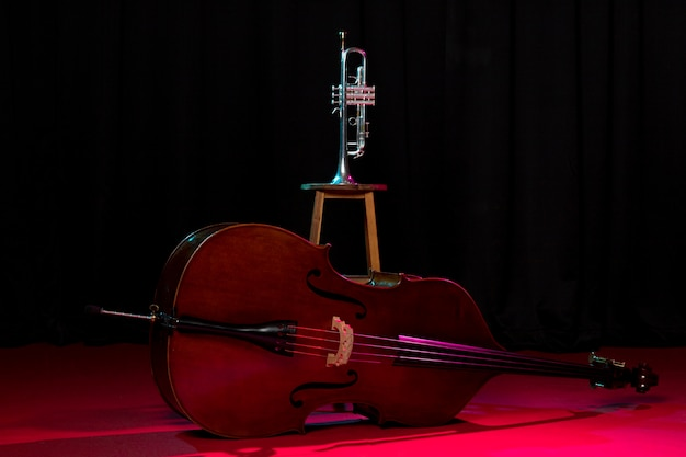 Vooraanzicht jazz instrumenten arrangement