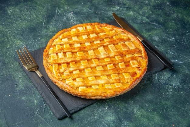Vooraanzicht lekkere jelly pie op een donkere achtergrond Gratis Foto