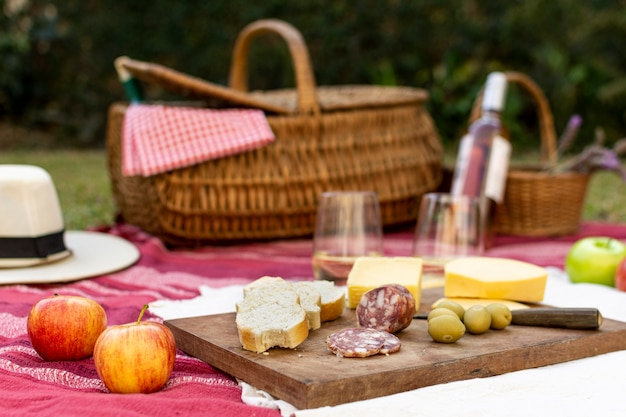 Vooraanzicht picknick arrangement voor fijnproevers