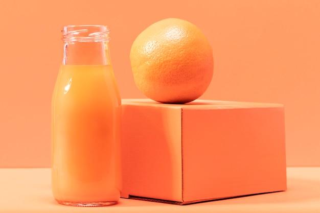 Vooraanzicht smoothie met oranje