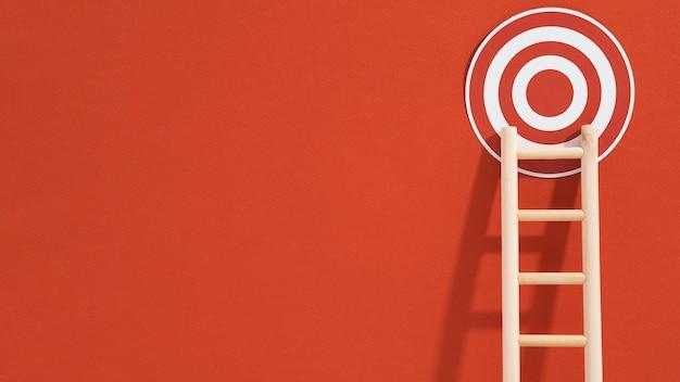 Vooraanzicht van doel met ladder en exemplaarruimte