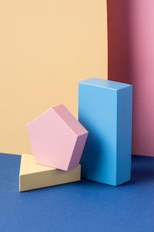 Vooraanzicht van geometrische vormen