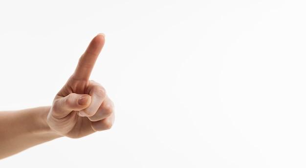 Vooraanzicht van hand wijzende vinger