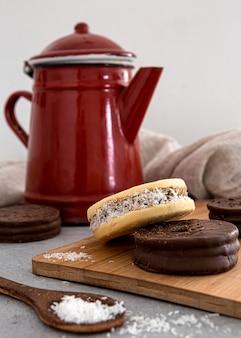 Vooraanzicht van heerlijke alfajores-koekjes