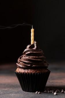 Vooraanzicht van heerlijke chocolade cupcake