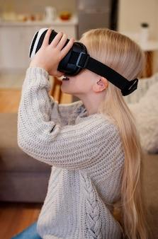 Vooraanzicht van kinderen met vr-bril