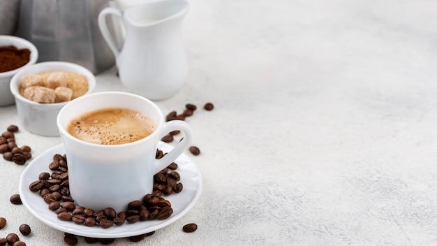 Vooraanzicht van koffie met kopie ruimte