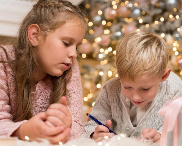 Vooraanzicht van mooi kerstconcept Premium Foto