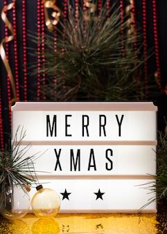 Vooraanzicht vrolijk kerstfeest belettering