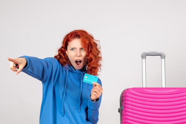 Vooraanzicht vrouwelijke toerist