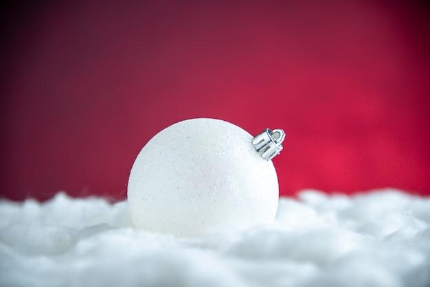Vooraanzicht witte kerstboombal