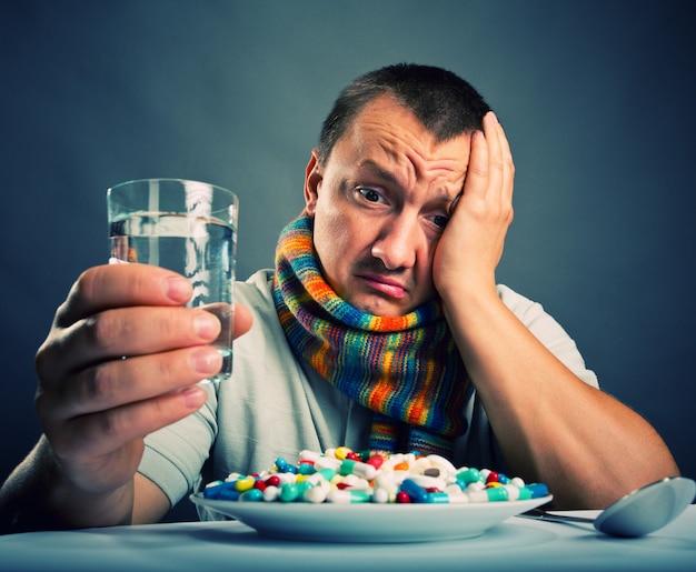 Voorbereiden om medicijnen te eten