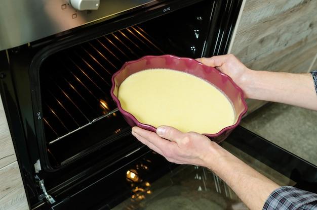 Voorbereiding bakken van de taart.