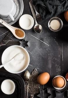 Voorbereiding die keukeningrediënten voor het koken van kader bakken