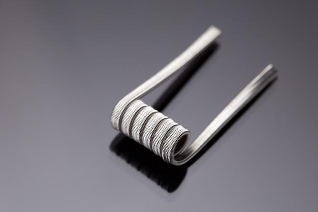 Voorgebouwde spoel, gesmolten clapton spoel, luxe, kunst spoel op grijs