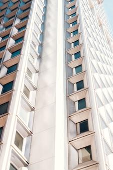Voorgevel van highrise woningbouw