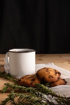 Voorzijde thee met koekjes
