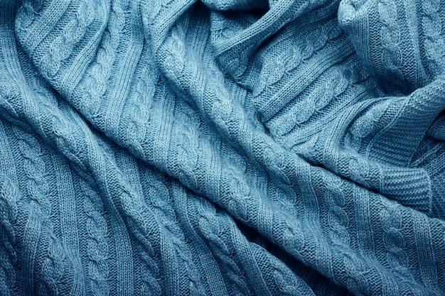 Vouwen van een gebreide wollen deken, bovenaanzicht