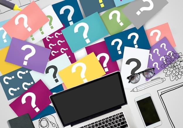 Vraagteken vragen nieuwsgierig verwar raadsel puzzel concept