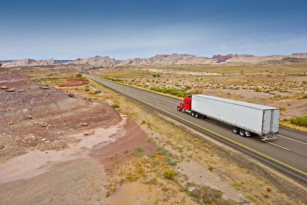 Vrachtwagen op de utah highway