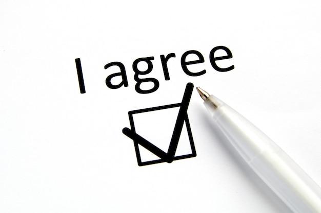 Vragenlijst. opschrift ik ga akkoord met vinkje op wit papier