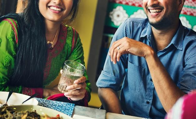 Vrienden hangout restaurant happy concept