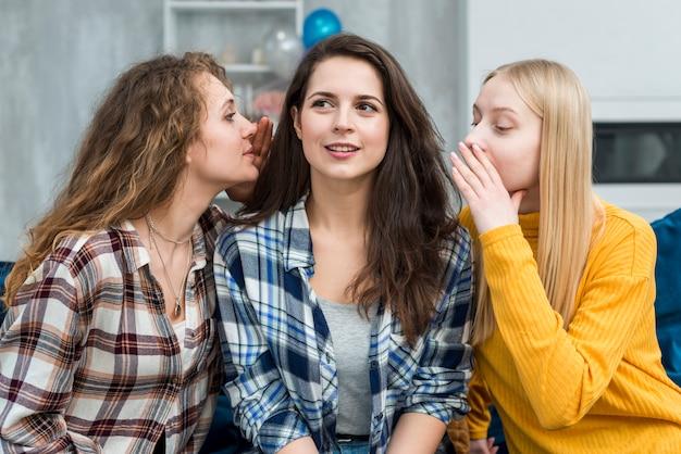 Vrienden vertellen geheimen