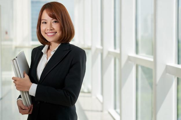 Vrij jonge advocaat