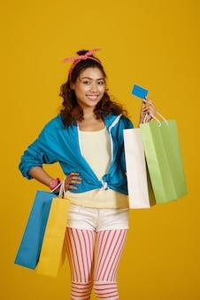 Vrolijke shopaholic