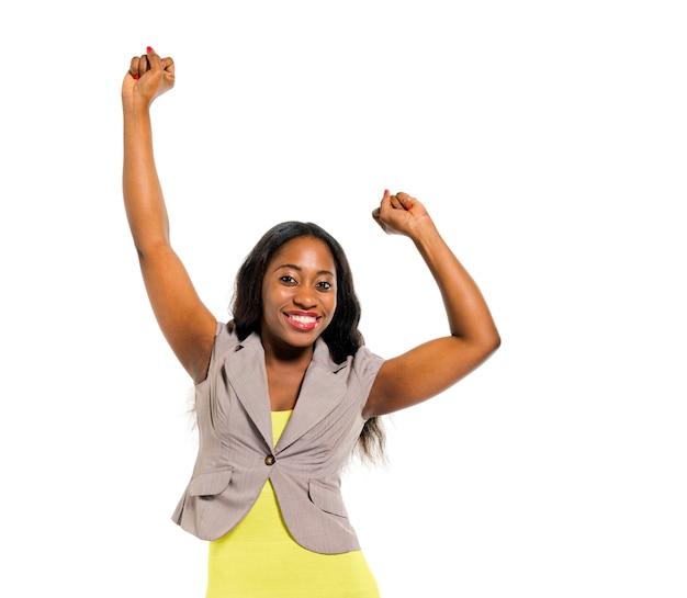 Vrolijke smart casual vrouw vieren