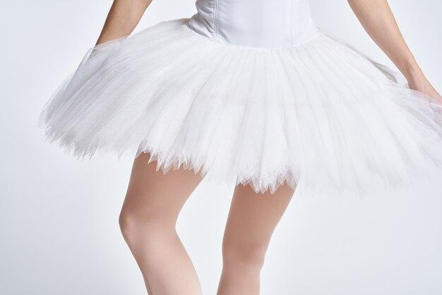 Vrouw ballerina witte tutu dans uitvoeren