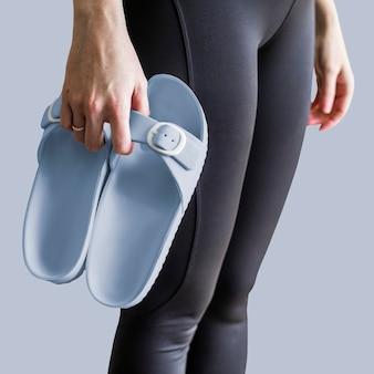 Vrouw blauwe sandaal kleding mode