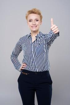 Vrouw die een groot succes behaalde