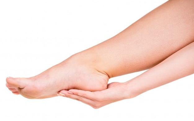 Vrouw die voetpijn heeft
