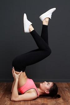 Vrouw doet fitness