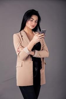 Vrouw elegantie schot manier aantrekkelijk