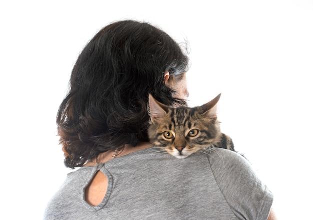 Vrouw en kitten