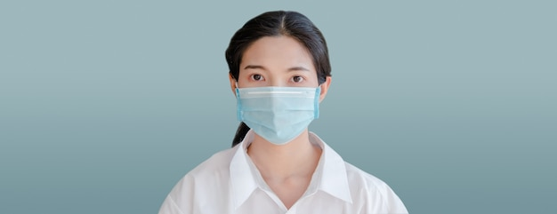 Vrouw gezichtsmasker portret dekking